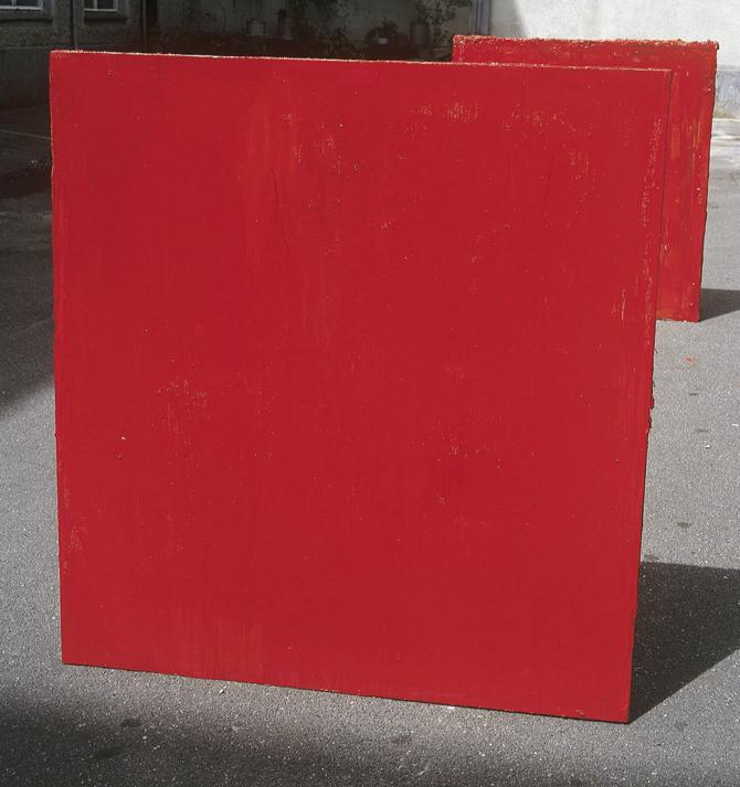 Dva rdeča kubusa